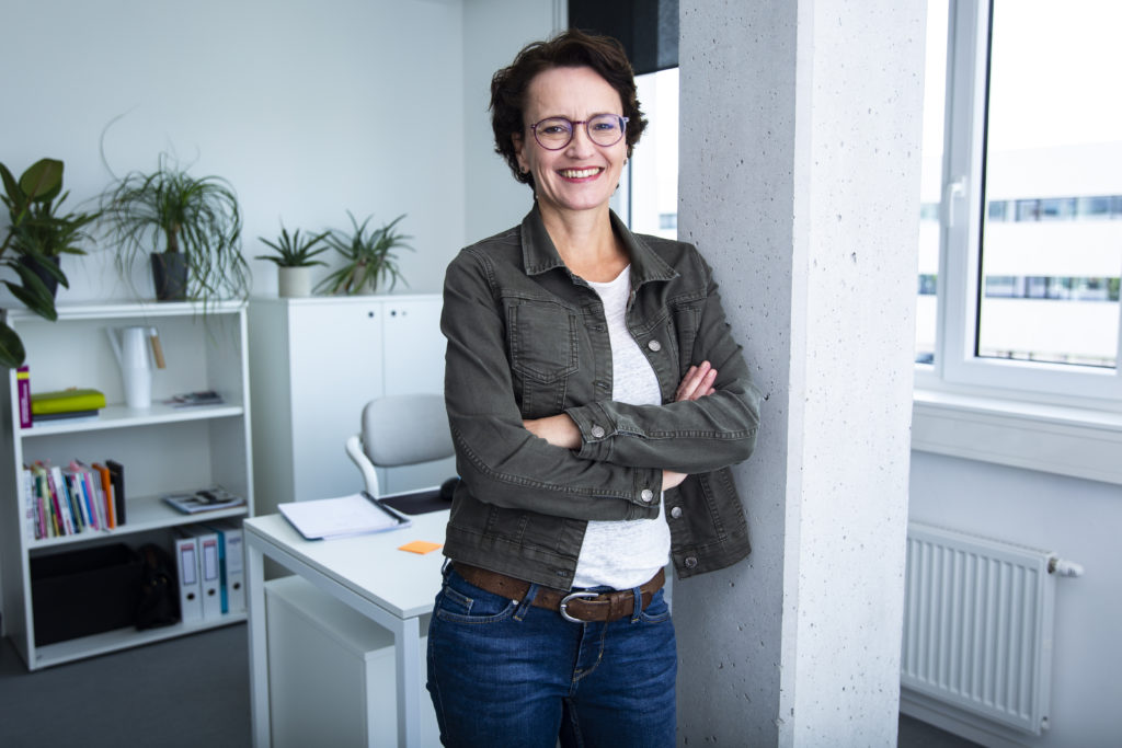 Eva Dragosits, Texterin, Wels